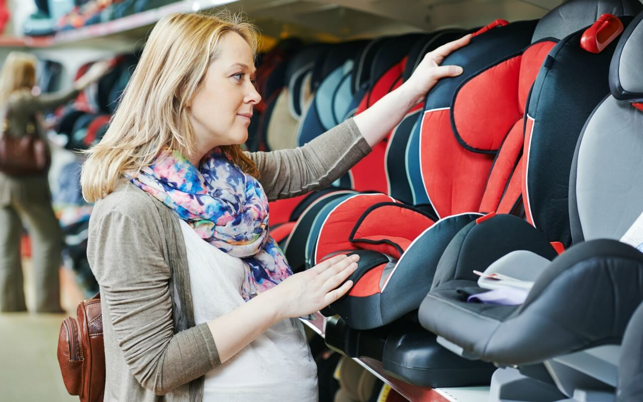 Pregnant mom shopping for car seat for second baby