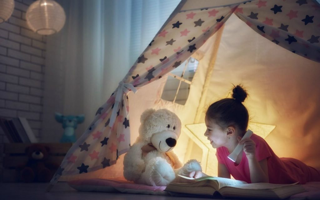 How Your Kids Can Have an Old-Fashioned Campout at Home